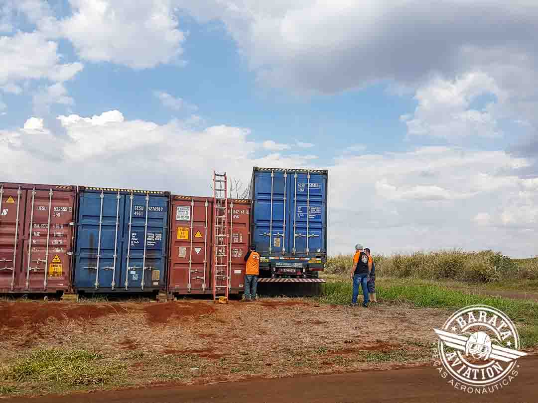 Zodiac,, Baron, B55, Bonanza V35, Containers